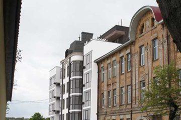 Многоквартирный жилой дом со встроенными помещениями общественного назначения (фото 1)