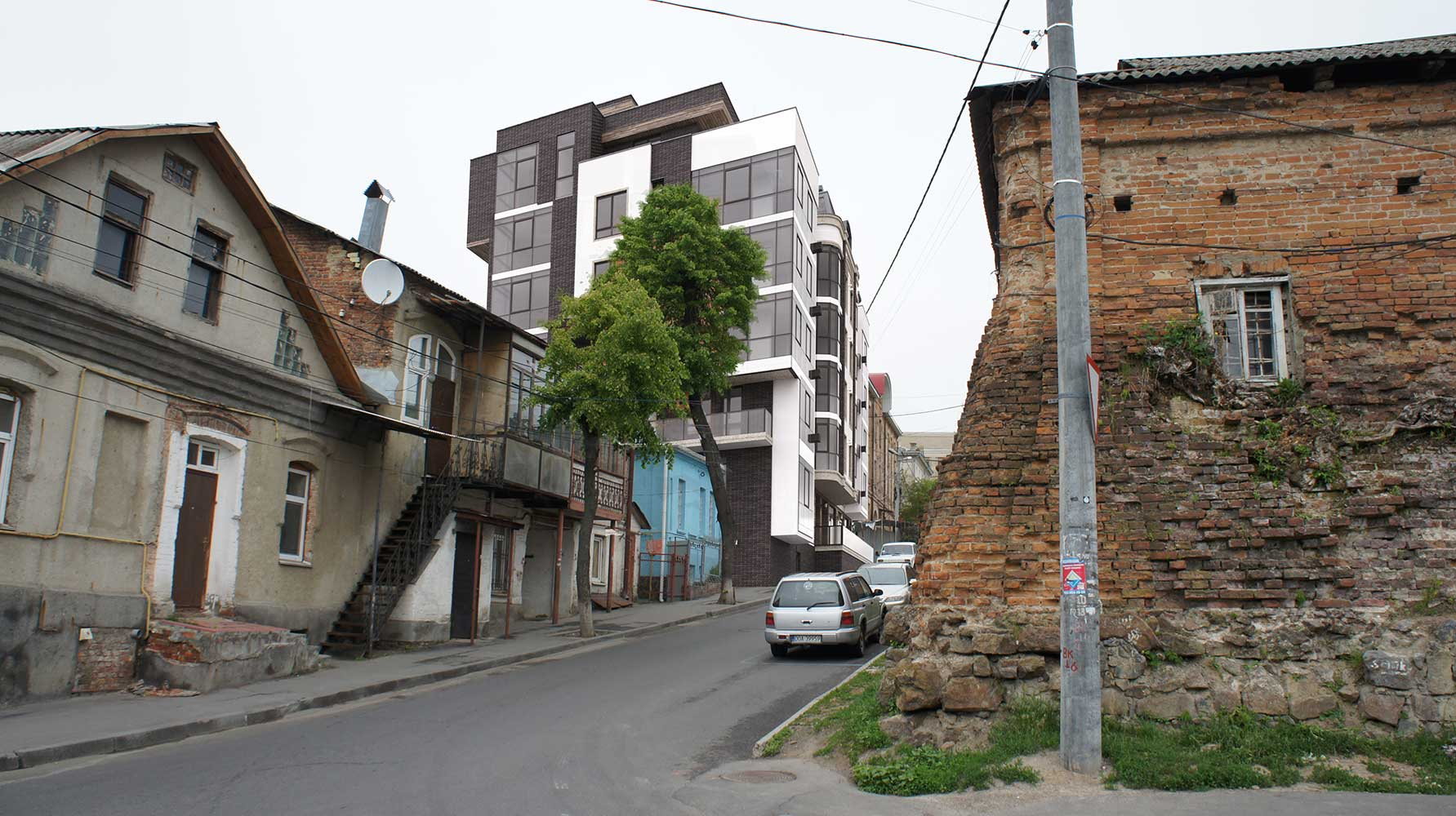 Многоквартирный жилой дом со встроенными помещениями общественного назначения (фото 2)